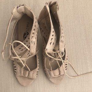 Neutral high heels pre loved